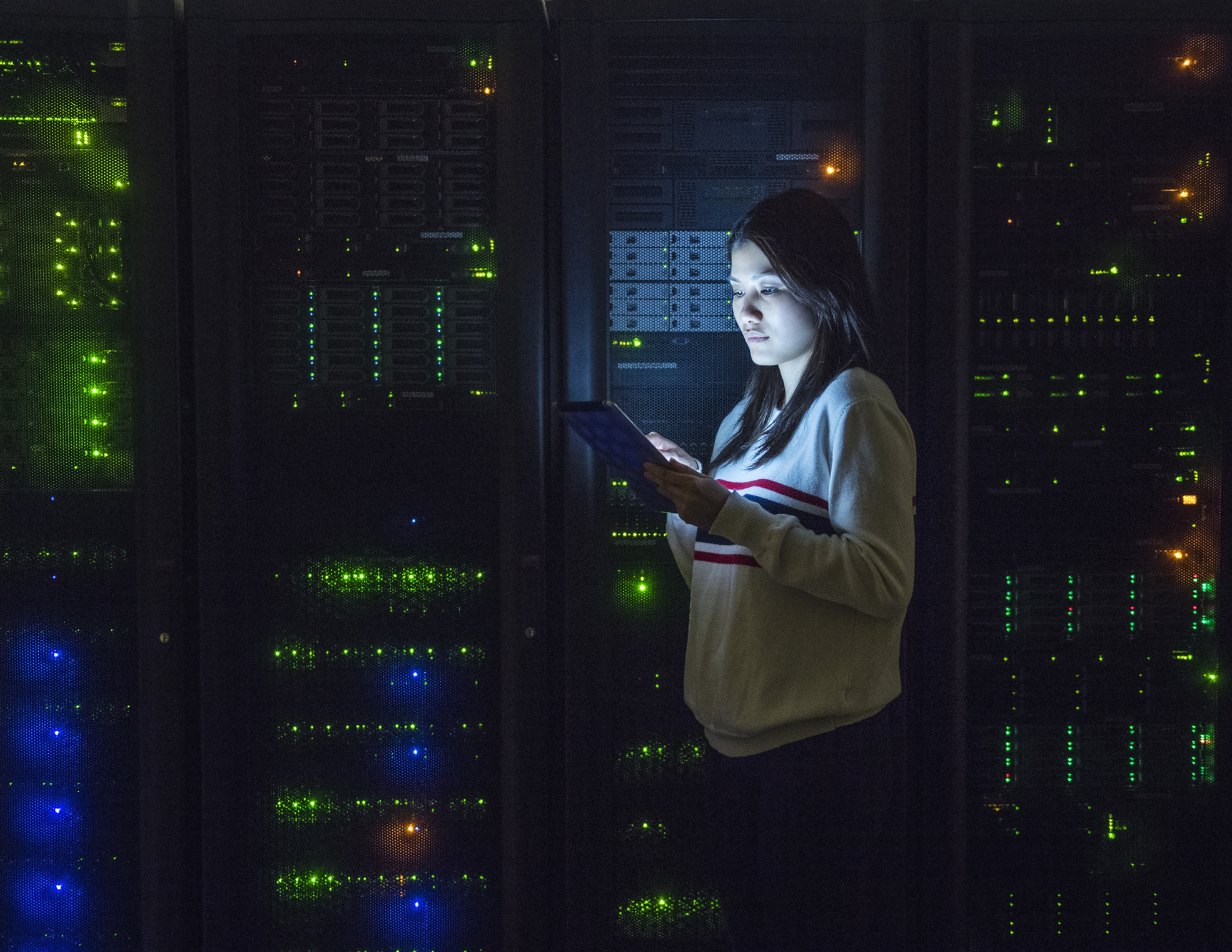 How High-performance and High-capacity Storage Platforms Address the Storage Stack Problem